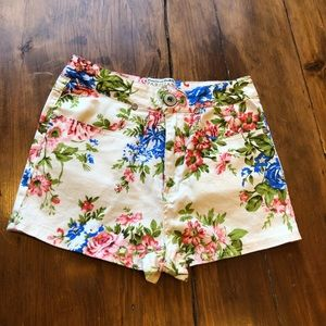 Pants - High waisted floral shorts